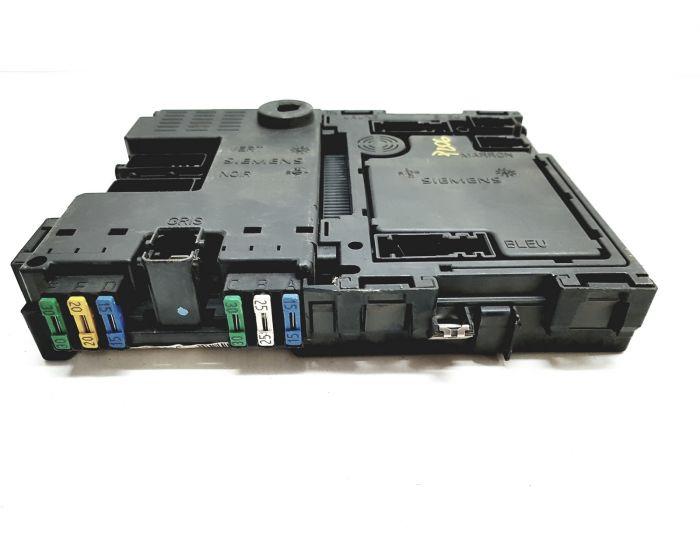 PEUGEOT 206 FUSE BOX S105872300G B2 9626460880 03 BSI T1
